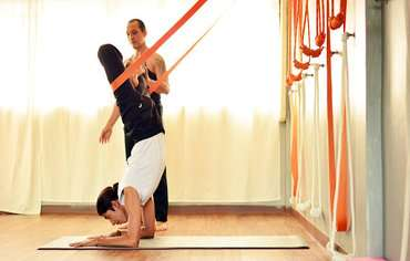 rope-yoga-classes-in-bangkok-thailand